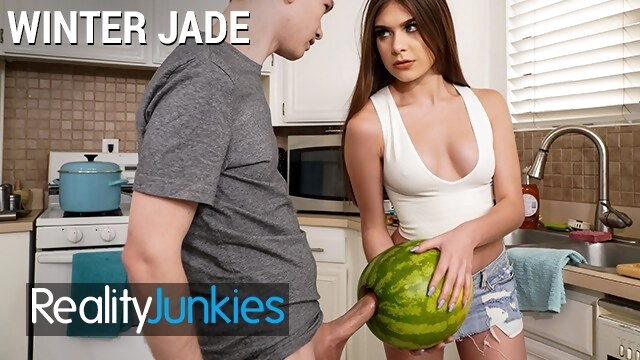 Reality Junkies - Kinky Step sister Winter Jade walks in on Step bro and his Huge Cock BongaCams realityjunkies