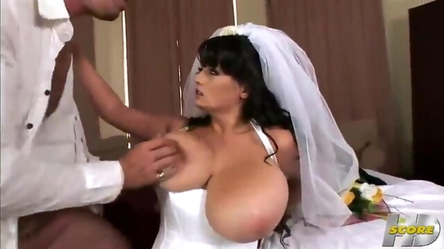 What a beautiful busty bride BongaCams bride
