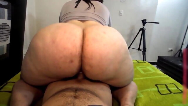 Latina's big ass BongaCams bbw