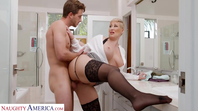 Ryan Keely takes cock from her son's friend BongaCams big ass