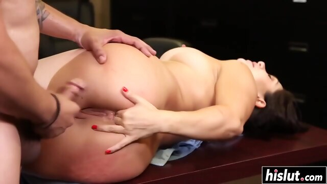 Lea likes to get her ass plowed BongaCams anal