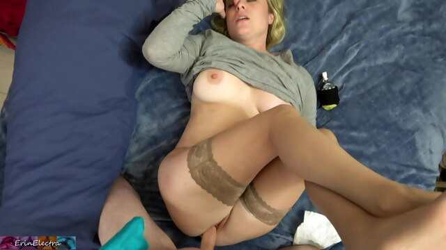 Stepmom has a headache and needs sex BongaCams amateur