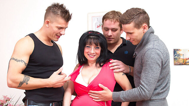 Big Breasted Housewife Taking On Three Guys - MatureNL BongaCams big ass