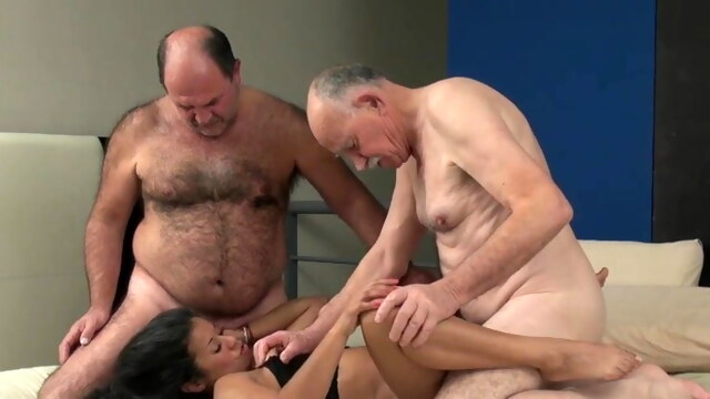 Straight Daddies, Threesome BongaCams amateur