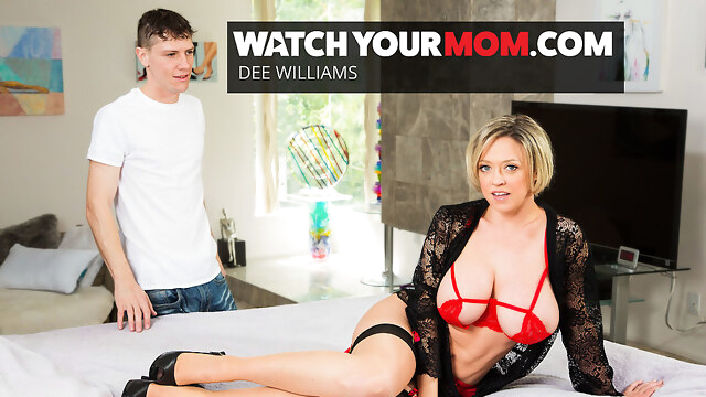 Hot Mom Dee Williams Gets Fucked By Young Cock - WatchYourMom BongaCams big tits